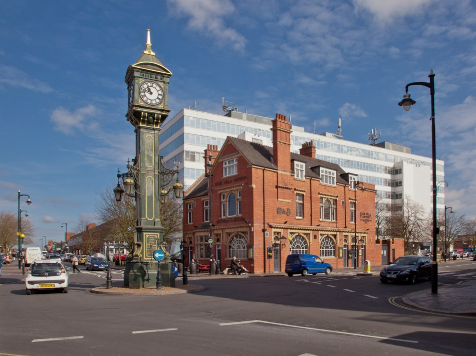 Chamberlain Clock and Rose Villa Tavern in centre of Jewellery Quarter
